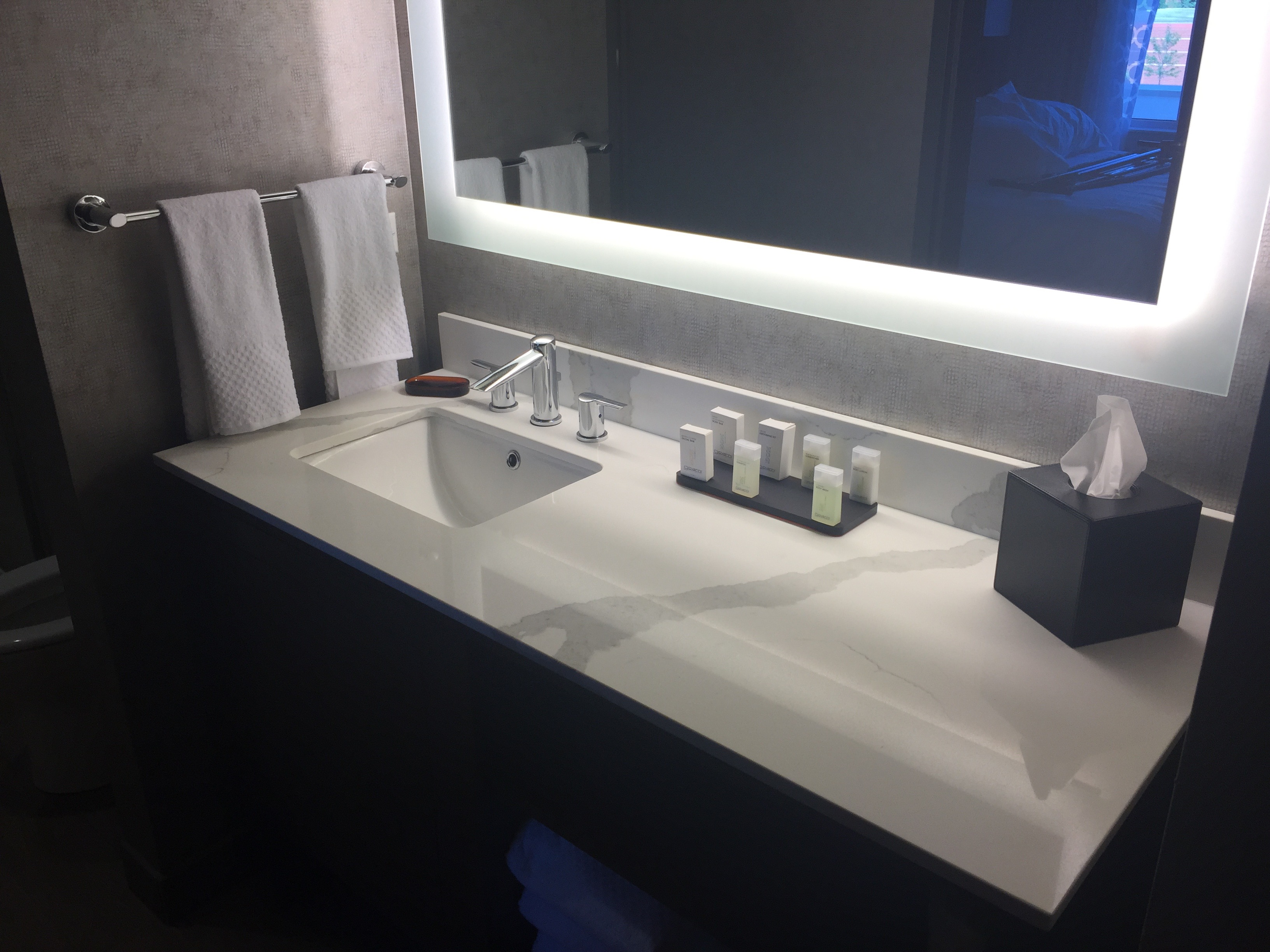 Calcutta Quartz Bathroom in Naperville, IL - StoneTek Design