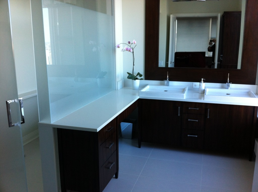 Pure white quartz in highland park il stonetek design for Kitchen design 60035